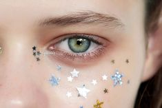 Make-Up make-up festival inspired makeup festival stars glitter Makeup Inspo, Makeup Art, Makeup Inspiration, Beauty Makeup, Eye Makeup, Hair Makeup, Hair Beauty, Beauty Trends, Beauty Hacks