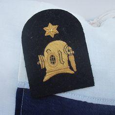 Royal Navy diver's badge.