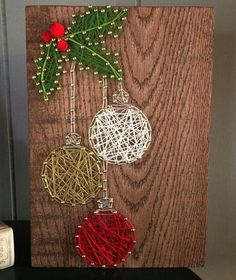 Add real ornaments - Add real ornaments Estás en el lugar correcto para diy clothes Aquí presentamos diy crafts que est - Crafts To Make, Holiday Crafts, Arts And Crafts, Diy Crafts, Joy Holiday, String Art Diy, String Crafts, String Art Templates, String Art Patterns