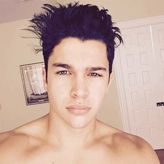 Austin Mahone Super Hot & Shirtless - http://oceanup.com/2015/02/04/austin-mahone-super-hot-shirtless/