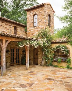 Rustic Italian Home – La Bella Vita Mediterranean Homes Exterior, Mediterranean Architecture, Mediterranean Home Decor, Italian Homes Exterior, Exterior Homes, Spanish Style Homes, Spanish House, Tuscan Style Homes, Style Toscan