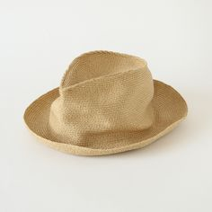 スラウチトリルビー(パナマハット)/SANFRANCISCO HAT(サンフランシスコハット) I Love Fashion, Mens Fashion, Straw Hats, Headgear, Headpieces, Sunnies, Cowboy Hats, Gentleman, Simple