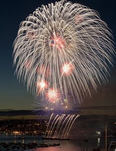 Fireworks over Lake Union, taken by Locomotive Breadth.
