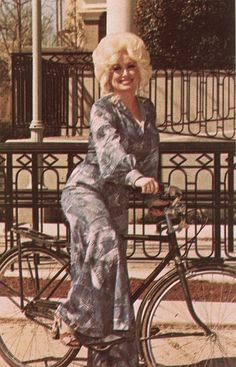 ♥Dolly by meligrosa, via Flickr    Dolly Rebecca Parton  January 19, 1946 (age 67)  Sevierville, Tennessee