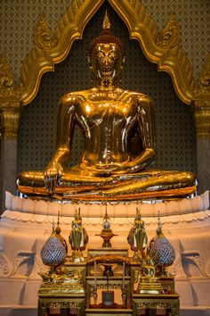 World's largest gold statue - Golden Buddha of Wat Traimit, Bangkok