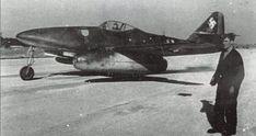 Me 262A-1 flown by Major Theodor Weissenberger, Kommandeur of 1./JG 7 at  Lechfeld late in 1944. Ww2 Aircraft, Fighter Aircraft, Military Aircraft, Fighter Jets, Luftwaffe, Adolf Galland, Me262, Messerschmitt Me 262, Ww2 Planes