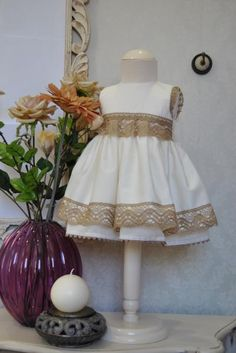 El armario de Lucía - Ropa Infantil - On-line Vintage Style Outfits, Vintage Fashion, Cute Dresses, Flower Girl Dresses, Kids Frocks, Room Wanted, Kids Fashion, Babies Fashion, Kids Wear