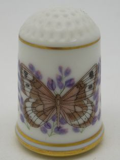 Riding's Satyr-New Mexico. Butterflies of America. Franklin Porcelain. Hellen Hall. Thimble-Dedal-Fingerhut.