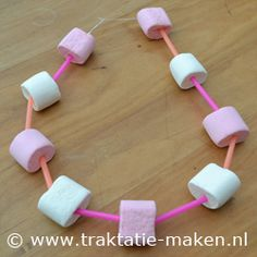 Traktatie:  Marsh Mallows Ketting