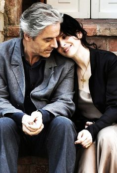 Juliette Binoche and William Shimell in Copie Conforme