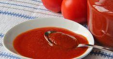 Na přípravu budete potřebovat:   2 kg rajčat  25 dkg neloupaných jablek  25 dkg cibule  1 lžíci soli  125 ml octa  1 lžíce  sladké paprik... Preserves, Pesto, Thai Red Curry, Cantaloupe, Clean Eating, Low Carb, Pudding, Canning, Fruit