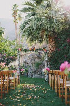 Tree Wedding, Mod Wedding, Wedding Flowers, Wedding Bells, Wedding Arches, Wedding Unique, Perfect Wedding, Rustic Wedding, Wedding Themes
