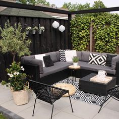 Maybe you would like to upgrade the complete back yard, or perhaps only the patio area. Your patio garden requires a floor finish. With many patio furniture alternatives to pick from you can readily make an outdoor space that is going to be well utilized. Outdoor Rooms, Outdoor Living, Outdoor Furniture Sets, Outdoor Decor, Furniture Decor, Furniture Design, Furniture Dolly, Home Design Decor, Patio Design