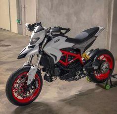 Moto Ducati, Ducati Scrambler, Motos Ktm, Enduro Motorcycle, Ducati Motorcycles, Moto Bike, Custom Motorcycles, Motocicleta Ducati Hypermotard, Ducati Custom