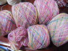 Tingi lã com corantes iridescente