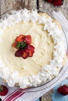 White Chocolate Silk Pie Recipe - This White Chocolate Silk Pie recipe is a creamy white chocolate version of a classic chocolate French silk pie. Dress it up with peppermint or cranberries for the holidays or eat it as is. It's heavenly either way!