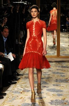 Marchesa 2012. Red threads like muscle. Subtle subversion?