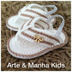 Birth baptism baby shoes girl slippers of ballerinas white pink Crochet Baby Boots, Crochet Baby Sandals, Knit Baby Booties, Booties Crochet, Crochet Shoes, Crochet Slippers, Baby Girl Sandals, Baby Girl Shoes, Baby Shoes Pattern