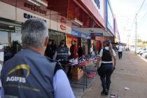 Duas toneladas de produtos irregulares e ilegais são apreendidas em Ceilândia - http://noticiasembrasilia.com.br/noticias-distrito-federal-cidade-brasilia/2015/06/26/duas-toneladas-de-produtos-irregulares-e-ilegais-sao-apreendidas-em-ceilandia/
