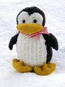 So cute! Bonus~ it was knitted on the loom!!! :D