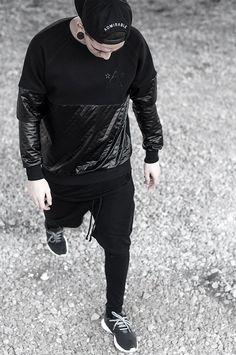 ON TREND: FROM LEGGINGS TO MEGGINGS... Read more on: https://www.cr-vision.nl/blog/on_trend:_from_leggings_to_meggings...