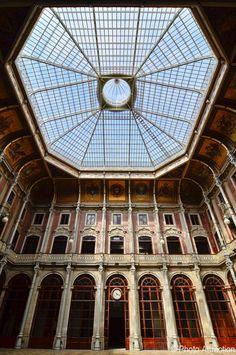 (Fotografia obtida com a gentil autorização da Associação Comercial do Porto) Porto Stock Exchange