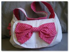 http://madeinvelanne.blogspot.fr/p/accessoires-en-tissu.html