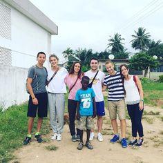 Our new volunteers are ready for a morning walk through the Koforidua township #advertsghana #letsgosomewhere #ghana