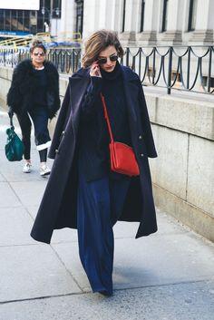 Street Style invitadas New York Fashion Week Look Fashion, Fashion Photo, Autumn Fashion, Fashion Tips, Fashion Trends, New York Outfits, City Outfits, Celine, French Chic