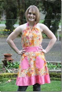 Free Pattern and Tutorial: Spring Apron also MANY OTHER TUTORIALS!