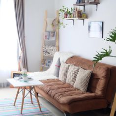 Having small living room can be one of all your problem about decoration home. To solve that, you will create the illusion of a larger space and painting your small living room with bright colors c… Living Room Paint, New Living Room, Small Living Rooms, Living Room Interior, Living Room Modern, Living Room Designs, Room Furniture Design, Small Furniture, Furniture Layout