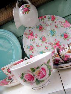 Wonder little creamer in backgroud.  Very nice.  dishes | Tumblr