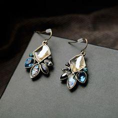 Fashion-Statement-Irregular-Geometric-Antique-Flowers-Drop-Earrings-Blue-Green