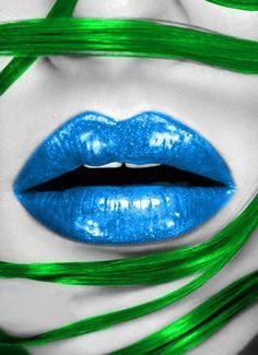 blue lips and green hair. Very futuristic looking Color Splash, Color Pop, Color Blue, Lips Photo, Love Lips, Lipgloss, Lipsticks, Tips & Tricks, Beautiful Lips