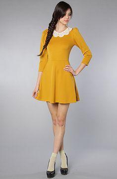 love anything mustard yellow!