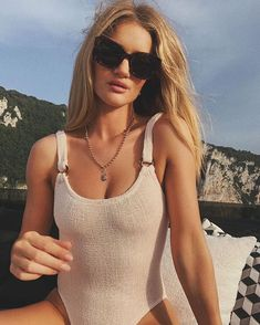 Rosie Huntington Whiteley wears one-piece Hunza G and Fendi sunglasses. Miss Berta Haylay Atwell Fuller House Outfits Sexy Bikini, Bikini Noir, Black Bikini, Emily Ratajkowski, Bikinis, Swimsuits, Hunza G, Fashion Vestidos, Celebrity Style Guide