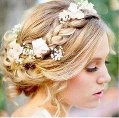 SO pretty. Wedding hair?