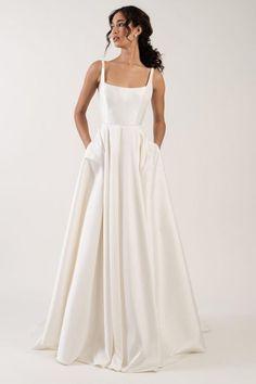 Formal Dresses For Weddings, Wedding Dress Sizes, Formal Wedding, Square Wedding Dress, Timeless Wedding Dresses, Wedding Ideas, Wedding Skirt, Satin Wedding Dresses, Wedding Dress Simple