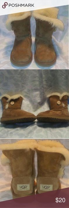 UGG Girl's Bailey button Water spot on the right boot and a white stain on the left back of the left boot but other then that they are in very good condition ?? ugg Shoes Boots