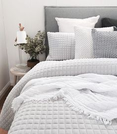 Best Bed Linen Ever – Best bed linens for your home Dream Bedroom, Home Bedroom, Modern Bedroom, Master Bedroom, Bedroom Decor, Master Suite, Grey Bedrooms, Light Bedroom, Textured Bedding
