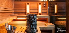 A rustic combined outdoor sauna from iSauna Manufacture. You can enjoy both the Finnish sauna and the infra sauna.