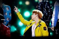 Jimin | MAMA awards | fansite | superduper.kr | 2015 | orange hair | yellow jacket | green