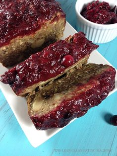 Vegan Meatloaf w/spiced cranberry sauce. (Note: cumin gives it a weird flavor.will use poultry seasoning next time. Omit cumin in cranberry sauce too, & decrease ketchup to c. Vegetarian Meatloaf, Vegetarian Protein, Meatloaf Recipes, Vegetarian Recipes, Healthy Recipes, Vegan Loaf, Whole Food Recipes, Cooking Recipes, Vegan Thanksgiving