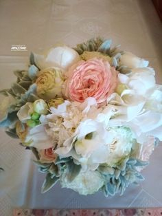 Esküvői csokor májusban Floral Wreath, Wreaths, Home Decor, Decoration Home, Room Decor, Bouquet, Flower Band, Interior Decorating, Floral Arrangements