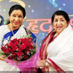 The musical Mangeshkar siblings, Asha and Lata has many admirers in the whole world because of their magical voice, which proves that music has no boundaries.
