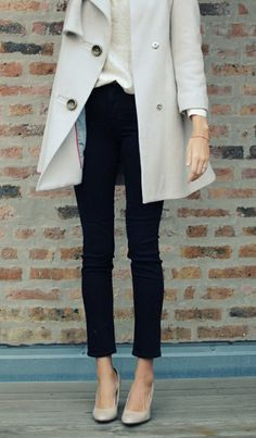 Must-have in wardrobe - black cigarette jeans: LoLoBu - Women look, Fashion and Style Ideas and Inspiration, Dress and Skirt Look Looks Street Style, Looks Style, Style Me, Simple Style, Simple Colors, Black And White Outfit, Black White, White Beige, Black Cream