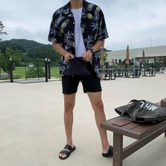 Discover recipes, home ideas, style inspiration and other ideas to try. Asian Men Fashion, Fashion Mode, Fashion Menswear, Streetwear Mode, Streetwear Fashion, Coachella Outfit Men, Korean Summer Outfits, Kpop Mode, Mode Costume