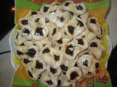 Prajituri de casa: Papuci cu magiun Brownies, Buffet, Food And Drink, Cookies, Unt, Breakfast, Desserts, Romania, Pork
