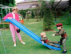 July 1986 ~ HRH Diana, Princess of Wales enjoys play-time with her two sons, Prince Harry and Prince William, as they slide about in the gardens at Highgrove House in Gloucestershire. ~ Photo by Tim Graham/Getty Images. Princess Eugenie, Crown Princess Mary, Princess Of Wales, Princess Photo, Princess Meghan, Prince William And Harry, Prince Harry And Meghan, Prince Henry, Princesa Diana