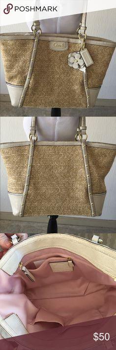 Purse Coach straw/leather tote purse Coach Bags Totes